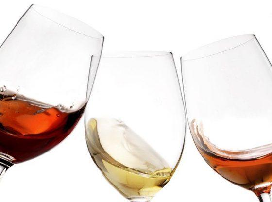 cum alagem corect paharele de vin